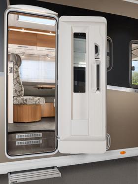 Reisemobil der komfortablen Premiumklasse mit elektrischer Tür von tegos
